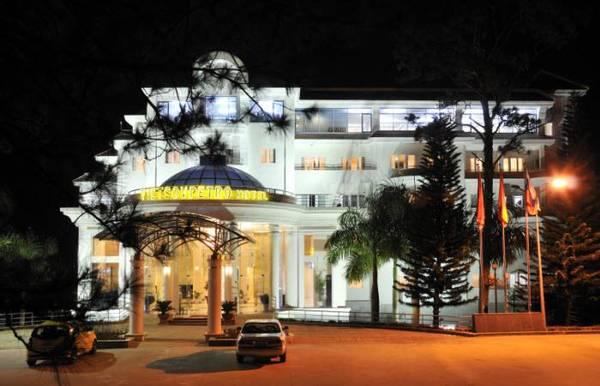 Khách sạn Vietsovpetro Đà Lạt lung linh trong đêm.