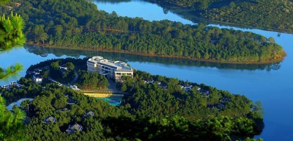 Vẻ đẹp của Dalat Edensee Lake Resort & Spa nhìn từ trên cao.
