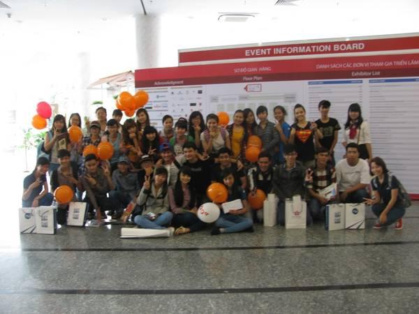 Du lịch Sài Gòn - Rất đông các bạn trẻ quan tâm đến các thông tin iVIVU.com cung cấp.