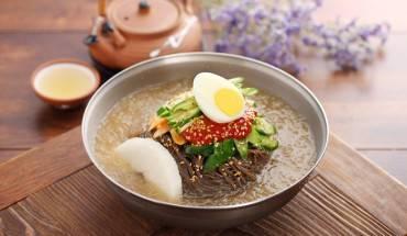 Du lịch Hàn Quốc - Món Naengmyeon - Mì lạnh