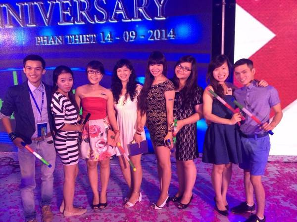 Những gương mặt xuất sắc của iVIVU.com tham dự chương trình kỷ niệm 20 TMG. Ảnh: FB Đinh Thị Ái Vang.