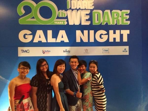 Ai cũng rạng rỡ trong buổi Gala Night.