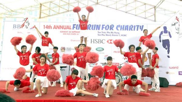 Những màn nhảy sôi động đến từ các thành viên tham gia.