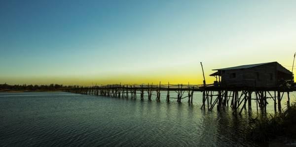 Du lịch Việt Nam - Cầu gỗ vùng quê