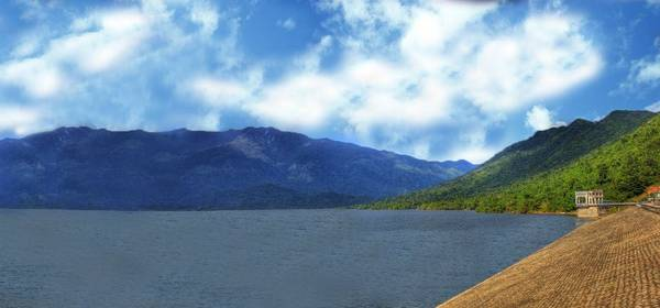 du lịch Nha Trang - Hồ Đá Bàn - hồ chứa nước lớn nhất của tỉnh Khánh Hòa.