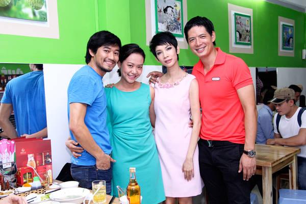 Từ trái sang: Quý Bình, Hồng Ánh, Xuân Lan, Bình Minh.