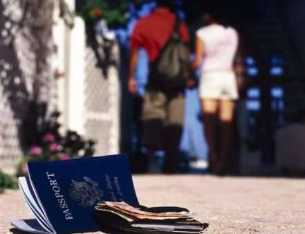 Cẩn trọng để không mất hộ chiếu khi du lịch nước ngoài.