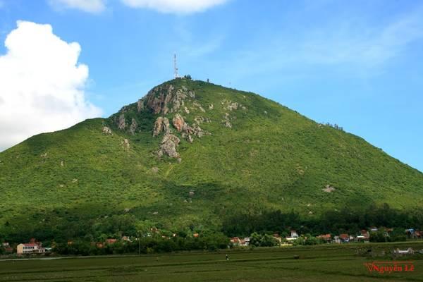 du lịch Phú Yên - Núi Chóp Chài