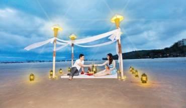 Buổi tối lãng mạn ở bãi biển.