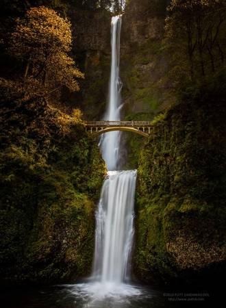 Benson là cây cầu bắc qua thác Multnomah, bang Oregon, Mỹ