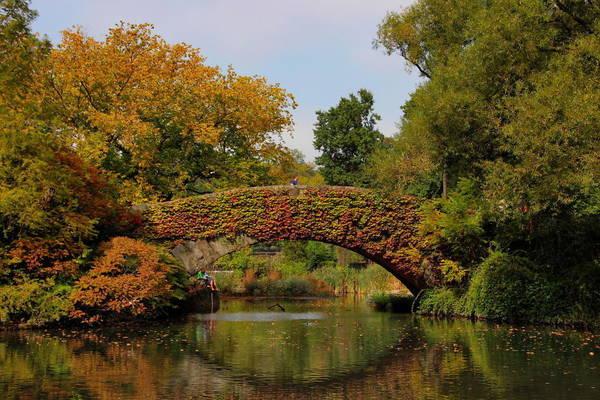 Cầu Gapstow là một biểu tượng của công viên trung tâm, quận Manhattan, New York, Mỹ.