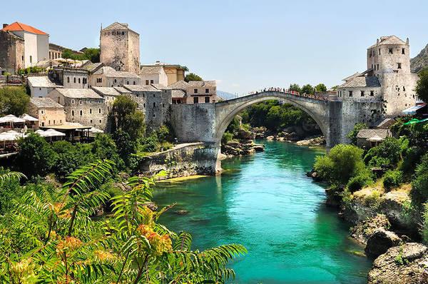 Stari Most hiện nay được phục dựng từ một cây cầu đã có vào thời đế chế Ottoman thế kỷ 16.