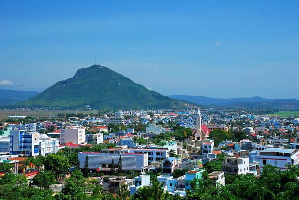Du lịch Phú Yên - Nếu chịu khó khám phá Tuy Hòa sẽ không đơn giản là điểm dừng chân nữa. Ảnh dichvuhangkhong.
