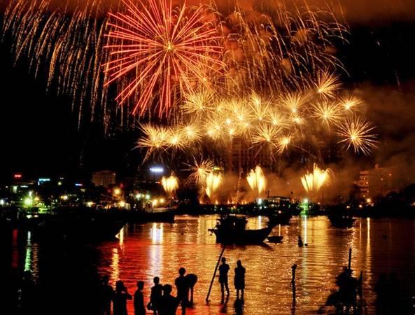 Cuộc thi trình diễn pháo hoa quốc tế được tổ chức đầu tiên tại Đà Nẵng, Việt Nam.