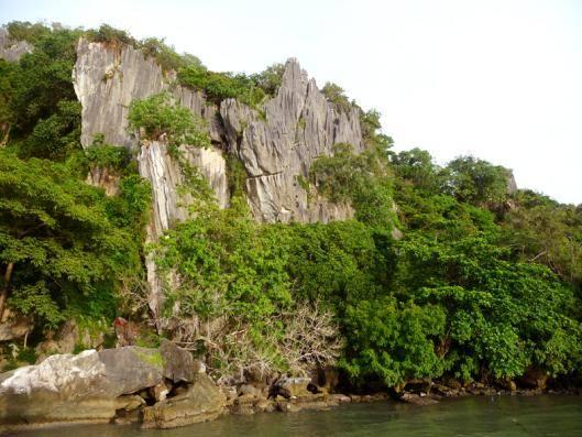 Du lịch Kiên Giang - Quang Cảnh sau chùa Hang.