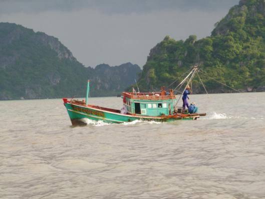 Du lịch Kiên Giang - Những chiếc thuyền đánh cá vố là hình ảnh quen thuộc ở Bà Lụa.