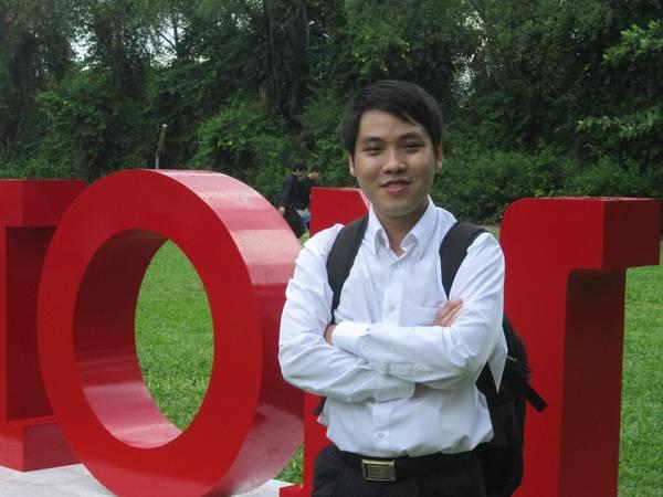Khách hàng Hùng Anh hài lòng bởi sự quan tâm đến khách hàng của iVIVU.com.