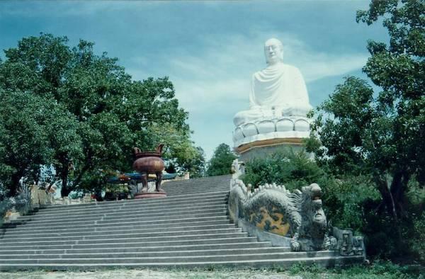 Tượng Thích Ca Phật Đài.
