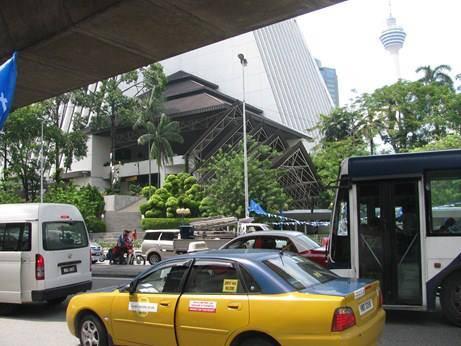 Du lịch Malaysia - Taxi Malaysia khá phức tạp nên bạn cần cẩn thận khi chọn tài xế.