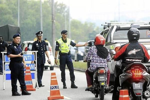Du lịch Malaysia - Ở Malaysia có tình trạng xuất hiện cảnh sát giả mạo nên khi du lịch cần cảnh giác.