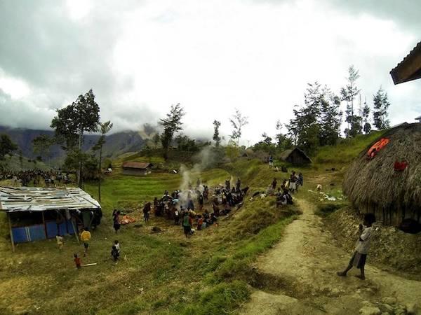Baliem là nơi cư trú của nhiều nhóm thổ dân hoang dã.