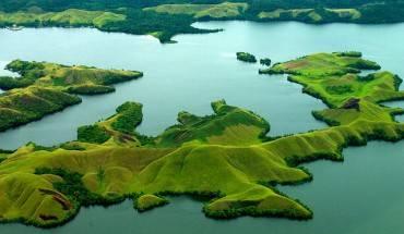 Sentani là một hồ nước yên tĩnh khổng lồ nằm ẩn sâu trong các đảo của Papua. Ảnh: globalgrasshopper