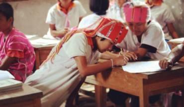 Trong ảnh là các trẻ em ở các bộ lạc Hill, Chiang Mai, Thái Lan.