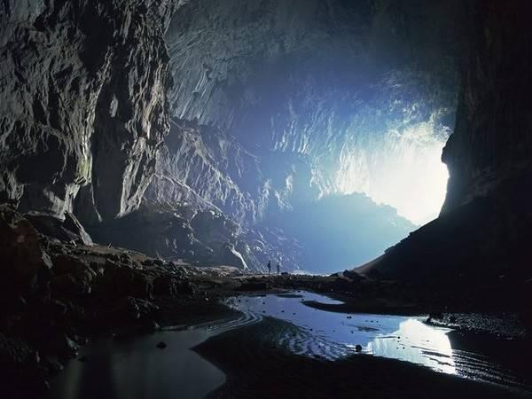 Hang Sơn Đoòng được một người nông dân tên Hồ Khanh phát hiện năm 1991. Theo lời kể của Hồ Khanh, khi đó anh làm nghề tìm trầm trong rừng.