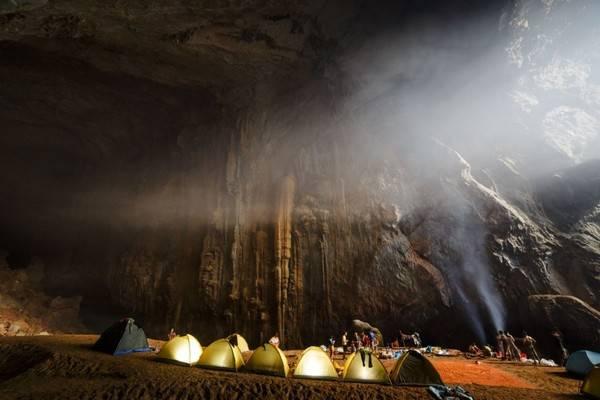 Với vẻ đẹp của mình, hang Sơn Đoòng thu hút rất nhiều khách du lịch với 98% là người nước ngoài.