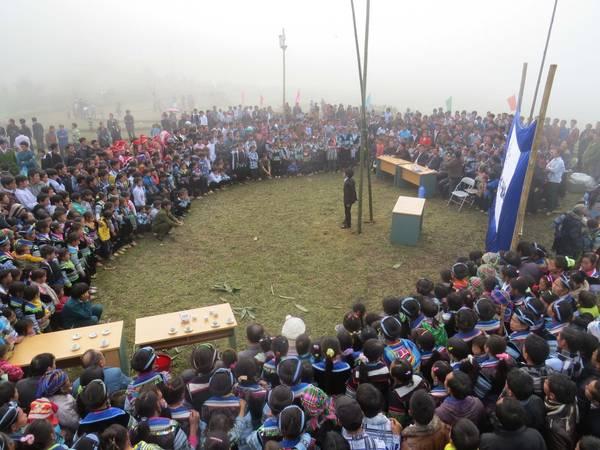 Khung cảnh diễn ra lễ hội Gầu Tào.