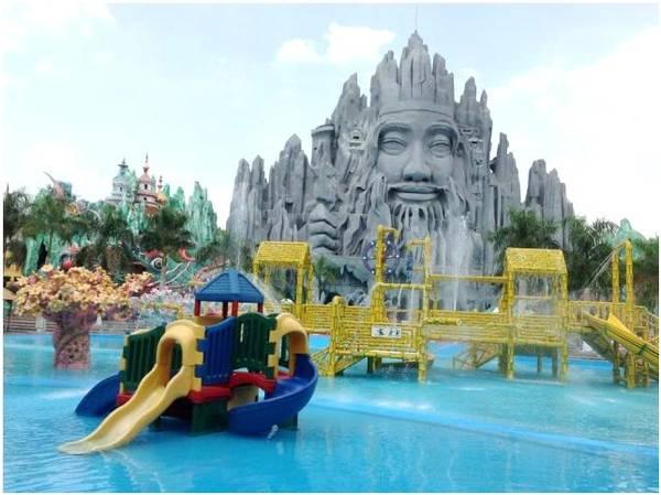 Một khu vui chơi trong khu du lịch Suối Tiên.