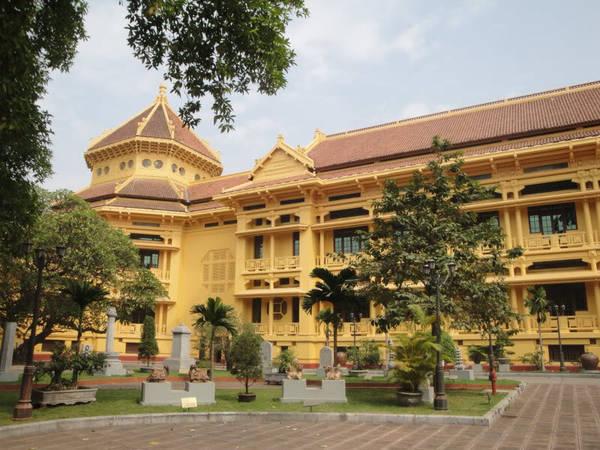 Bảo tàng lịch sử Việt Nam.