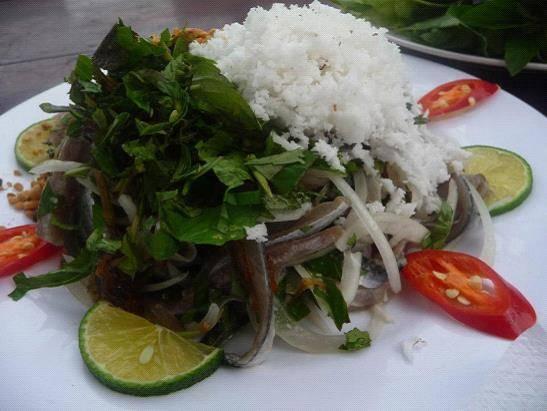 Gỏi cá trích Phú Quốc.