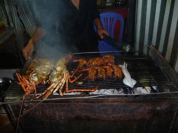 Hải sản ở chợ đêm Dinh Cậu, Phú Quốc.