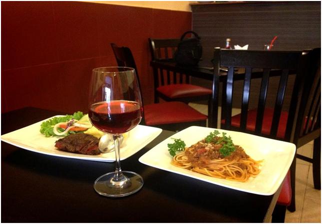 Mì Ý tươi ăn kèm với các loại sốt thơm ngon, dùng chung với một chút rượu vang sẽ khiến bữa tối của bạn thêm phần thi vị. Ảnh: Nhà hàng Ciao Vợ Đẹp
