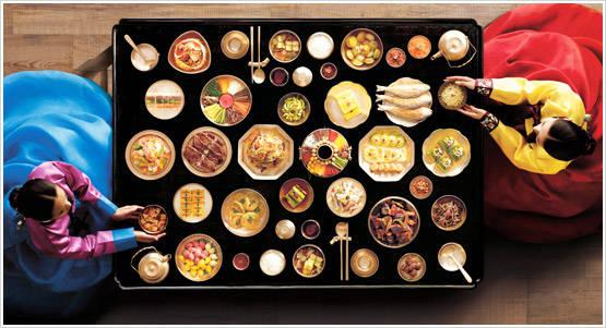 Học cách sắp xếp bàn ăn sẽ giúp sự hiểu biết về văn hóa của bạn phong phú hơn.
