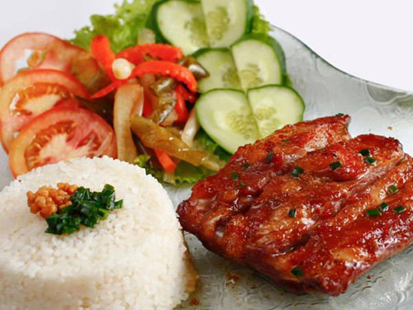 Cơm tấm Sài Gòn.