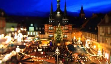 15. Wernigerode, Đức – Hội chợ Giáng sinh Wernigerode diễn ra từ ngày 28/11 đến ngày 22/12, tham gia hội chợ du khách không chỉ được thỏa sức mua sắm mà còn được nhận rất nhiều khuyến mãi từ các gian hàng. Ảnh: Buzzfeed