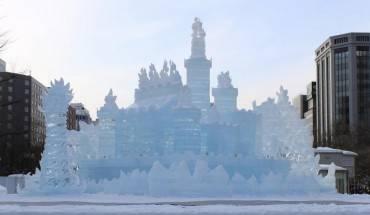 Lễ hội tuyết được tổ chức tại ba công viên Odori, Susukino và Tsudome.