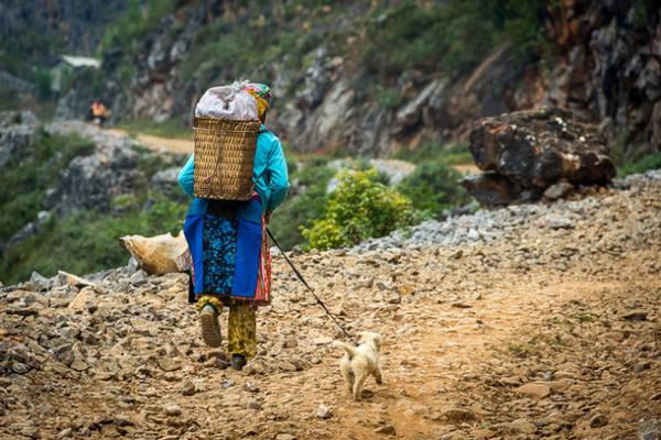 Hình chụp tại một con đường hẻo lánh của Huyện Đồng Văn, Hà Giang, Việt Nam