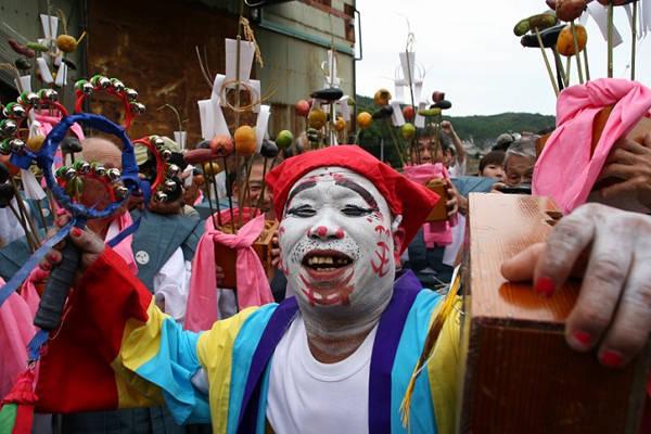 Lễ hội cười Warai Matsuri