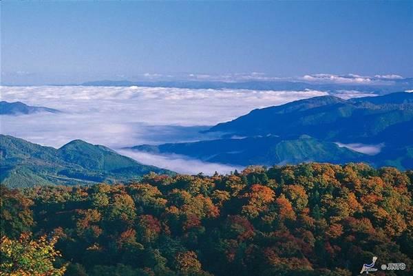 Phong cảnh vườn quốc gia Towada Hachimantai vào mùa thu.