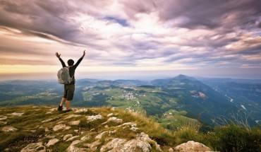 Đừng bao giờ than vãn mà hãy đi du lịch bằng chính khả năng của mình.