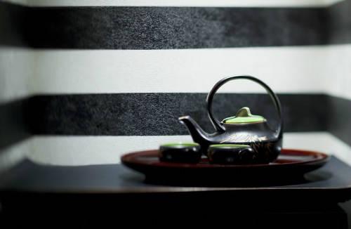 Ấm trà do các nghệ nhân Bát Tràng thiết kế.