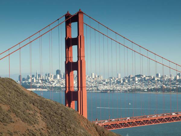 Cầu được xây dựng bắt đầu vào ngày 05 tháng 1 năm 1933