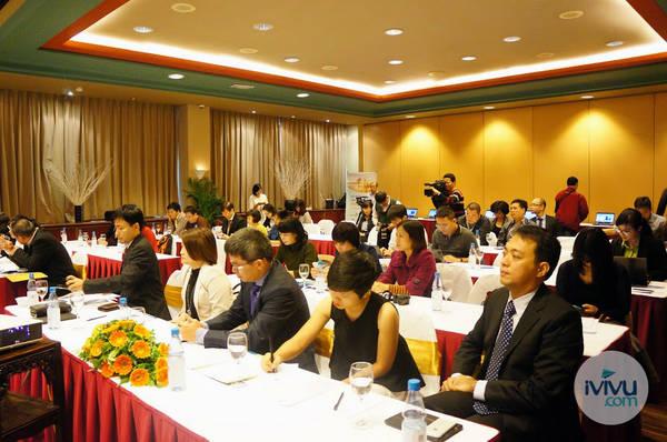 Đông đảo các doanh nghiệp tham dự cũng như các cơ quan truyền thông quan tâm đưa tin về sự kiện.