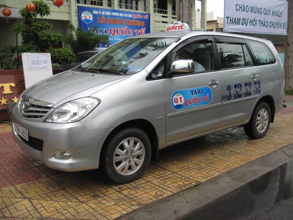 Taxi Quốc Tế.