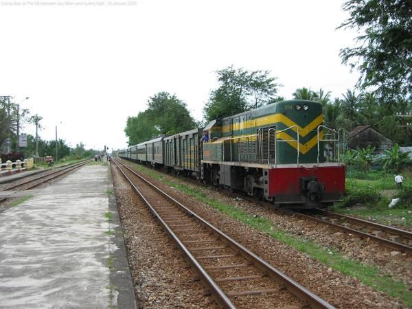 Tuyến đi Hà Nội - Nha Trang phải đi trên tuyến tàu Bắc Nam.