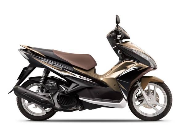 Airblade đen đồng 125cc giá 150.000 VND/ngày.