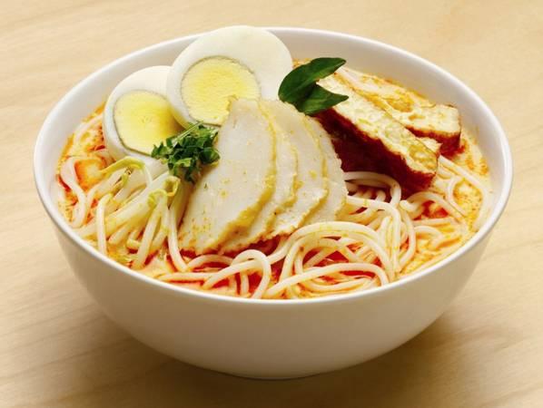 Laksa là món ăn kết hợp giữa hương vị Trung Quốc và Malaysia